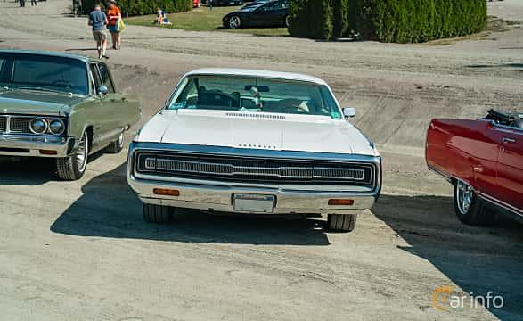 Front  of Chrysler Three Hundred 2-door Hardtop 7.2 V8 TorqueFlite, 340ps, 1971 at Stockholm Vintage & Sports Car meet 2019