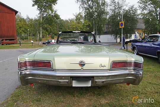 Back of Chrysler 300 Convertible 6.3 V8 TorqueFlite, 330ps, 1966 at Onsdagsträffar på Gammlia Umeå 2019 vecka 32