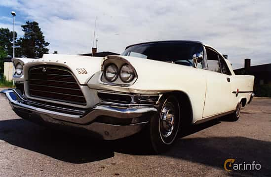 Front/Side  of Chrysler 300 Convertible 6.4 V8 Automatic, 386ps, 1959