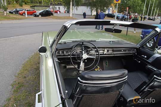 Interior of Chrysler 300 Convertible 6.3 V8 TorqueFlite, 330ps, 1966 at Onsdagsträffar på Gammlia Umeå 2019 vecka 32