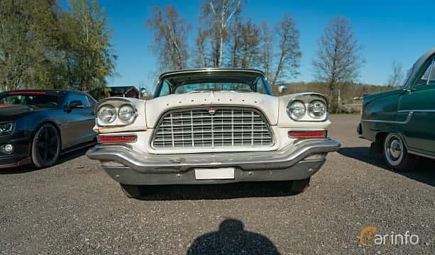 Front  of Chrysler 300C Hardtop 6.4 V8 TorqueFlite, 381ps, 1957 at Lissma Classic Car 2019 vecka 20