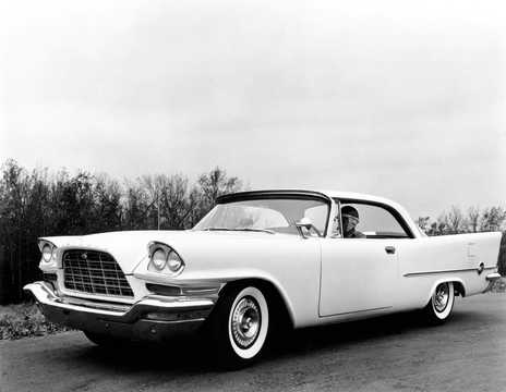 Front/Side  of Chrysler 300C Hardtop 6.4 V8 TorqueFlite, 381hp, 1957