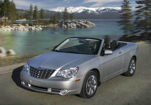 Front/Side  of Chrysler Sebring Convertible 2010
