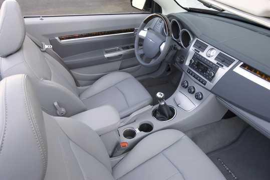 Interior of Chrysler Sebring Convertible 2010