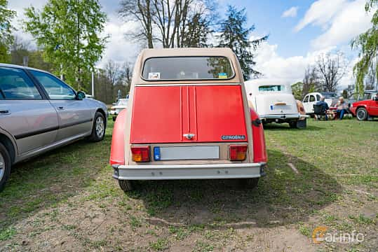 Back of Citroën 2CV 0.6 Manual, 29ps, 1983 at Fest För Franska Fordon  på Taxinge slott 2019