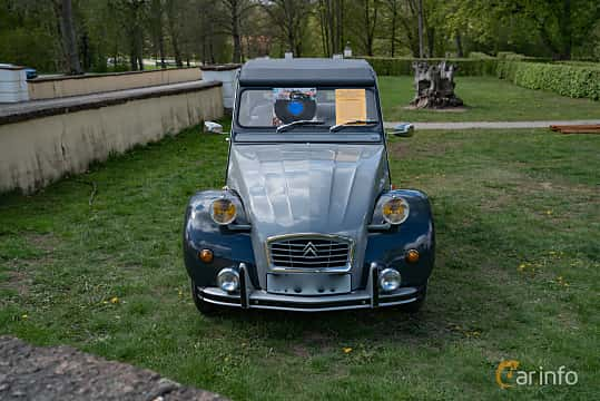 Front  of Citroën 2CV 0.6 Manual, 29ps, 1987 at Fest För Franska Fordon  på Taxinge slott 2019