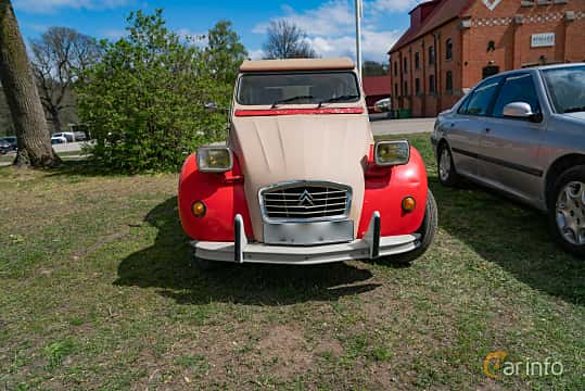 Front  of Citroën 2CV 0.6 Manual, 29ps, 1983 at Fest För Franska Fordon  på Taxinge slott 2019
