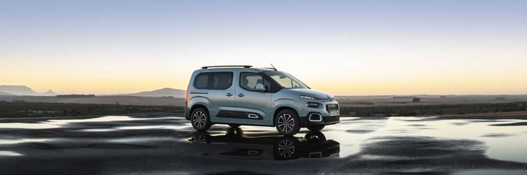 Front/Side  of Citroën Berlingo Multispace 2018