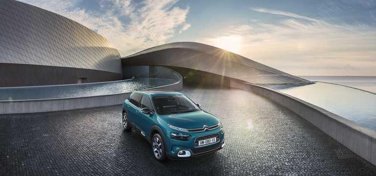 Front/Side  of Citroën C4 Cactus 2018