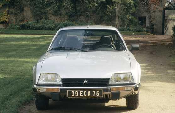 Front  of Citroën CX 20 2.0 Manual, 102hp, 1983