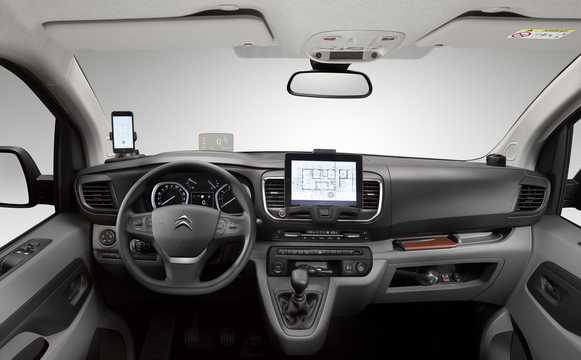 Interior of Citroën Jumpy Van 1.6 BlueHDi Manual, 95hp, 2016