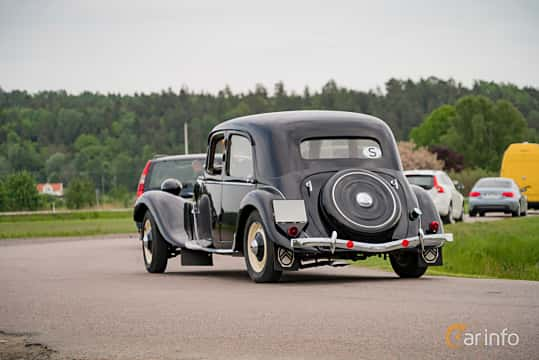Back/Side of Citroën 11 CV Sedan 1.9 Manual, 56ps, 1947 at Tjolöholm Classic Motor 2016