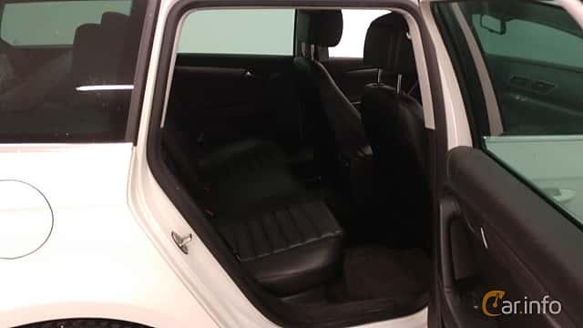 Närbild av Volkswagen Passat Variant 2.0 TDI BlueMotion DSG Sequential, 177ps, 2014