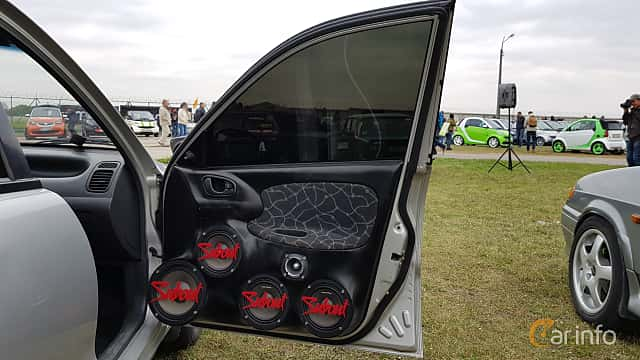 Close-up of Daewoo Lanos Sedan 2004 at Old Car Land no.2 2017