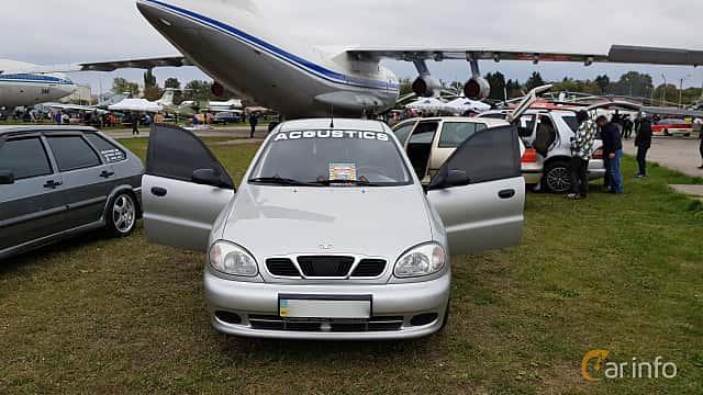 Front  of Daewoo Lanos Sedan 2004 at Old Car Land no.2 2017