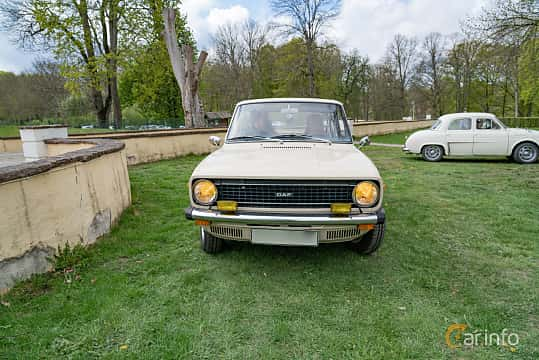 Front  of DAF 66 Sedan 1.1 Variomatic, 54ps, 1975 at Fest För Franska Fordon  på Taxinge slott 2019