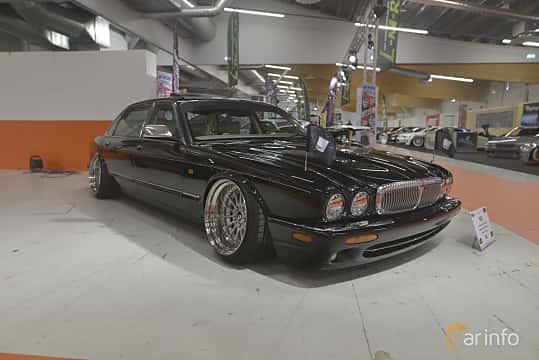 Front/Side  of Daimler Super V8 4.0 V8 Automatic, 363ps, 1999 at Bilsport Performance & Custom Motor Show 2019
