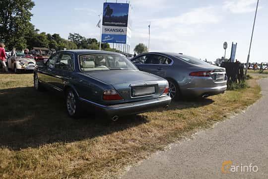 Back/Side of Daimler Super V8 LWB 4.0 V8 Automatic, 363ps, 1997 at Tisdagsträffarna Vikingatider v.21 / 2018