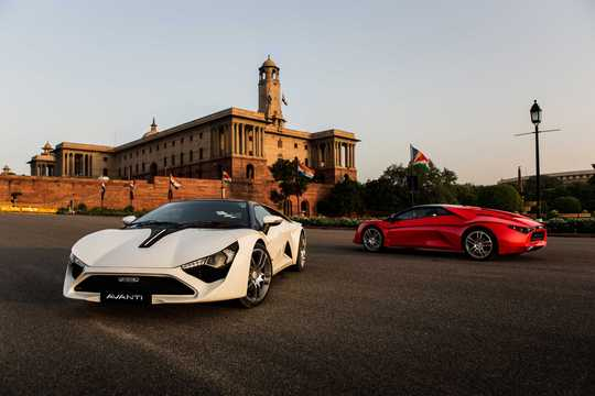 Front/Side  of DC Design Avanti 2.0 Manual, 254hp, 2016