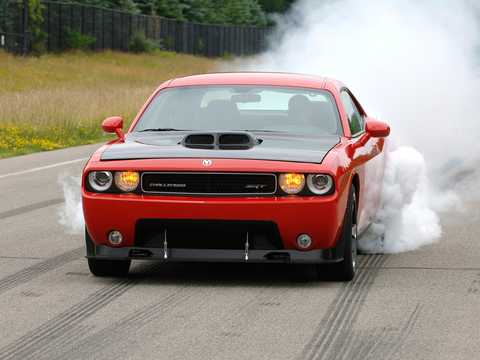 Front/Side  of Dodge Challenger SRT10 8.4 V10 Concept, 608hp, 2008