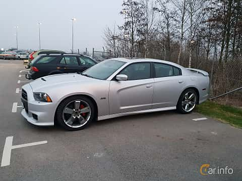 Side of Dodge Charger SRT-8 6.4 V8 HEMI TorqueFlite, 476ps, 2012