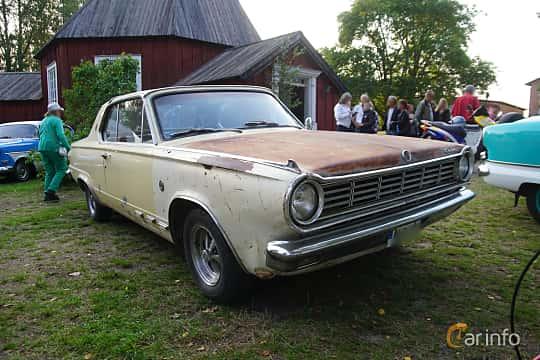 Front/Side  of Dodge Dart GT 2-door Hardtop 4.5 V8 TorqueFlite, 182ps, 1965 at Onsdagsträffar på Gammlia Umeå 2019 vecka 35