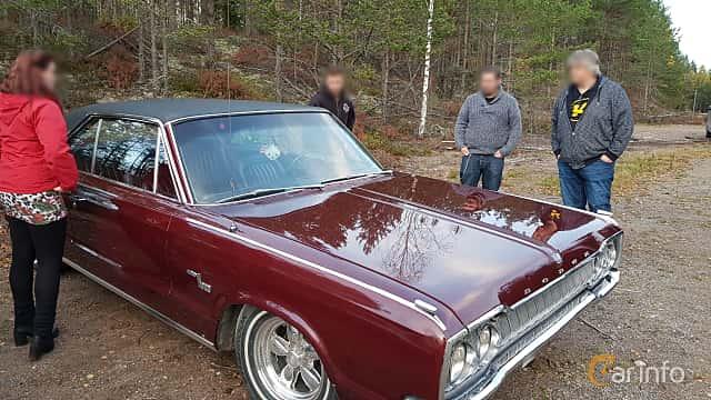 Front/Side of Dodge Monaco Hardtop Coupé 6.8 V8 TorqueFlite, 345ps, 1965