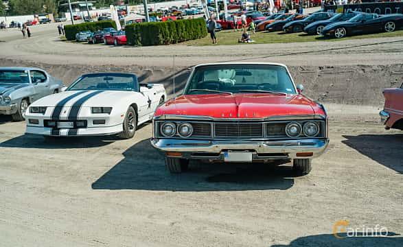 Front  of Dodge Polara 4-door Hardtop 5.2 V8 TorqueFlite, 234ps, 1968 at Stockholm Vintage & Sports Car meet 2019