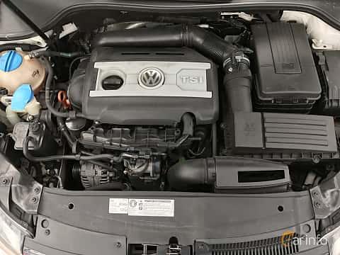 Engine compartment  of Volkswagen Golf GTI 5-door 2.0 TSI  DSG Sequential, 210ps, 2011