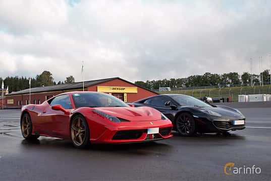 Front/Side  of Ferrari 458 Italia 4.5 V8  DCT, 570ps, 2014