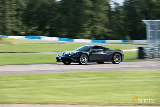 Front/Side  of Ferrari 458 Speciale 4.5 V8  DCT, 605ps, 2013 at Autoropa Racing day Knutstorp 2015