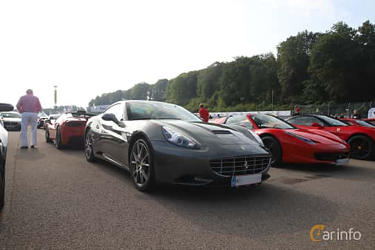 Front/Side  of Ferrari California 4.3 V8  DCT, 460ps, 2012 at Autoropa Racing day Knutstorp 2019