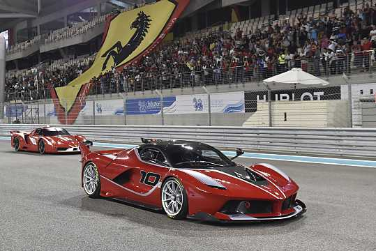 Front/Side  of Ferrari FXX-K 6.3 V12 DCT, 1050hp, 2015