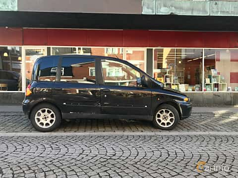 Side  of Fiat Multipla 1.6 Manual, 103ps, 2002
