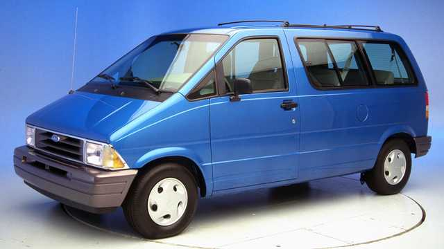 Front/Side  of Ford Aerostar 1992