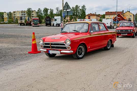 Front/Side  of Ford Cortina 2-door Sedan 1.3 Manual, 52ps, 1966 at Riksettanrallyt 2019 Skillingaryd