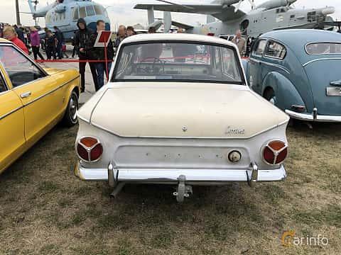 Back of Ford Cortina Super 4-door Sedan 1.5 58ps, 1966 at Old Car Land no.2 2019