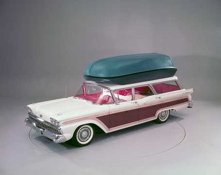 Front/Side  of Ford Country Squire 2-seat 1959