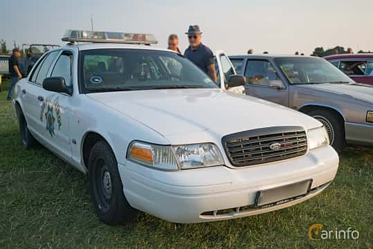 ford crown victoria 2nd generation