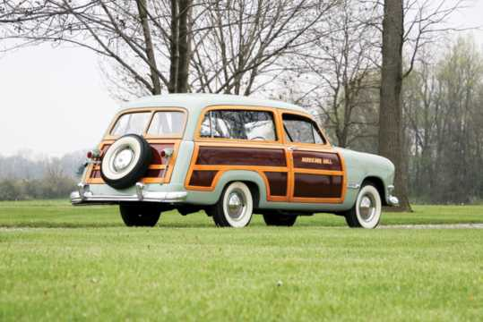 Back/Side of Ford Custom Deluxe Country Squire 3.9 V8 Manual, 102hp, 1950