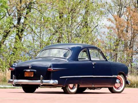 Back/Side of Ford Custom Coupé 1950
