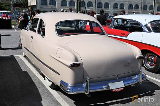 Back/Side of Ford Custom Deluxe Club Coupé 3.9 V8 Manual, 102ps, 1951 at Cruising Lysekil 2019