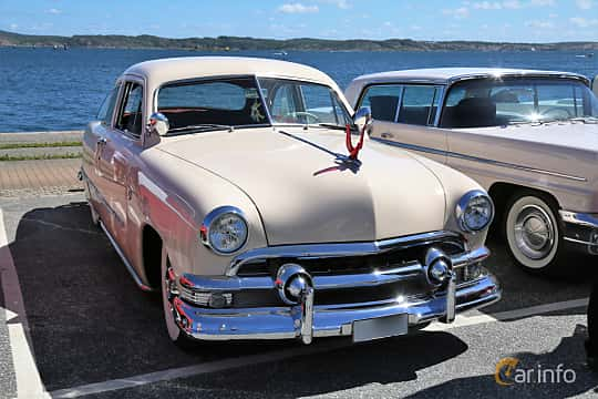 Front/Side  of Ford Custom Deluxe Club Coupé 3.9 V8 Manual, 102ps, 1951 at Cruising Lysekil 2019