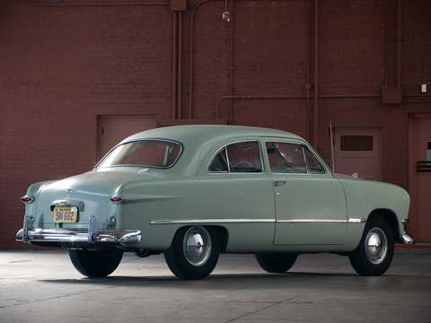 Back/Side of Ford Custom Deluxe Tudor Sedan 3.9 V8 Manual, 102hp, 1950