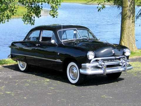 Front/Side  of Ford Custom Deluxe Tudor Sedan 1951