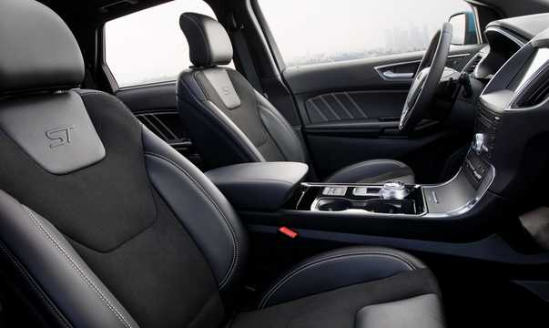 Interior of Ford Edge ST 2.7 V6 EcoBoost AWD Automatic, 329hp, 2019