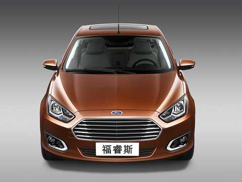 Front  of Ford Escort 4-door Sedan 1.5 Ti-VCT 111hp, 2014