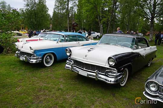 Fram/Sida av Ford Fairlane Fordor Victoria 5.1 V8 Automatic, 228ps, 1956 på Onsdagsträffar på Gammlia Umeå 2019 vecka 23