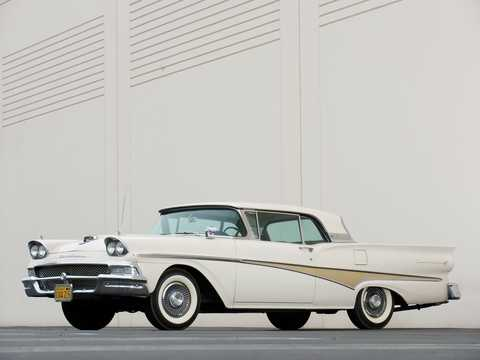 Front/Side  of Ford Fairlane 500 Skyliner 1958