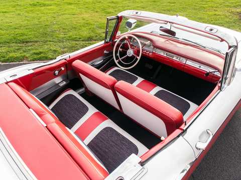 Interior of Ford Fairlane 500 Skyliner 1959